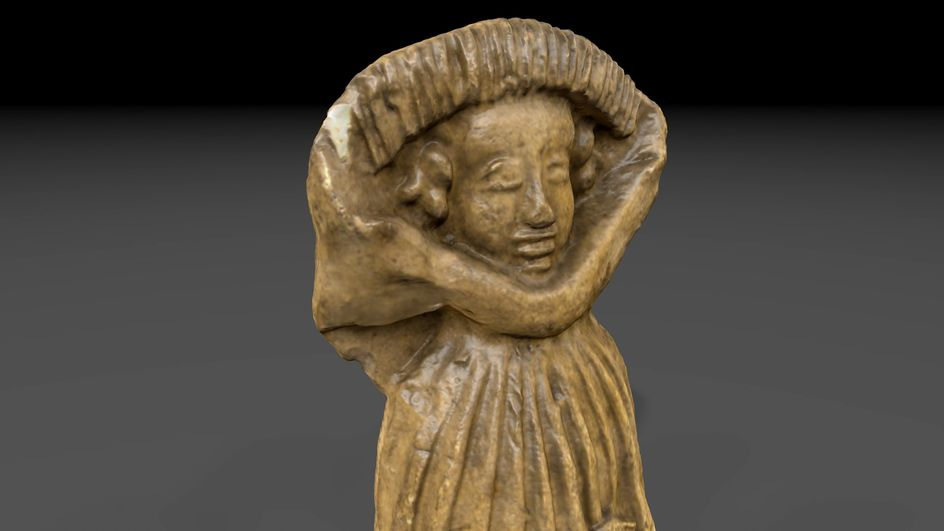 Female figure, handcrafted, made of pipe clay, 15th Century